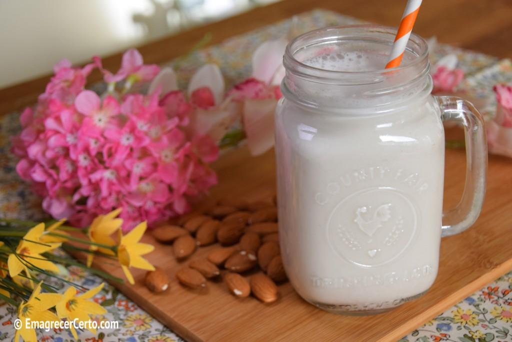 leite de amêndoas