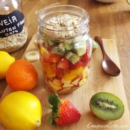 salada de frutas no pote