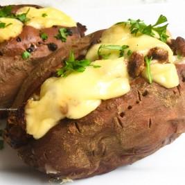 batata-doce recheada de chilli com carne